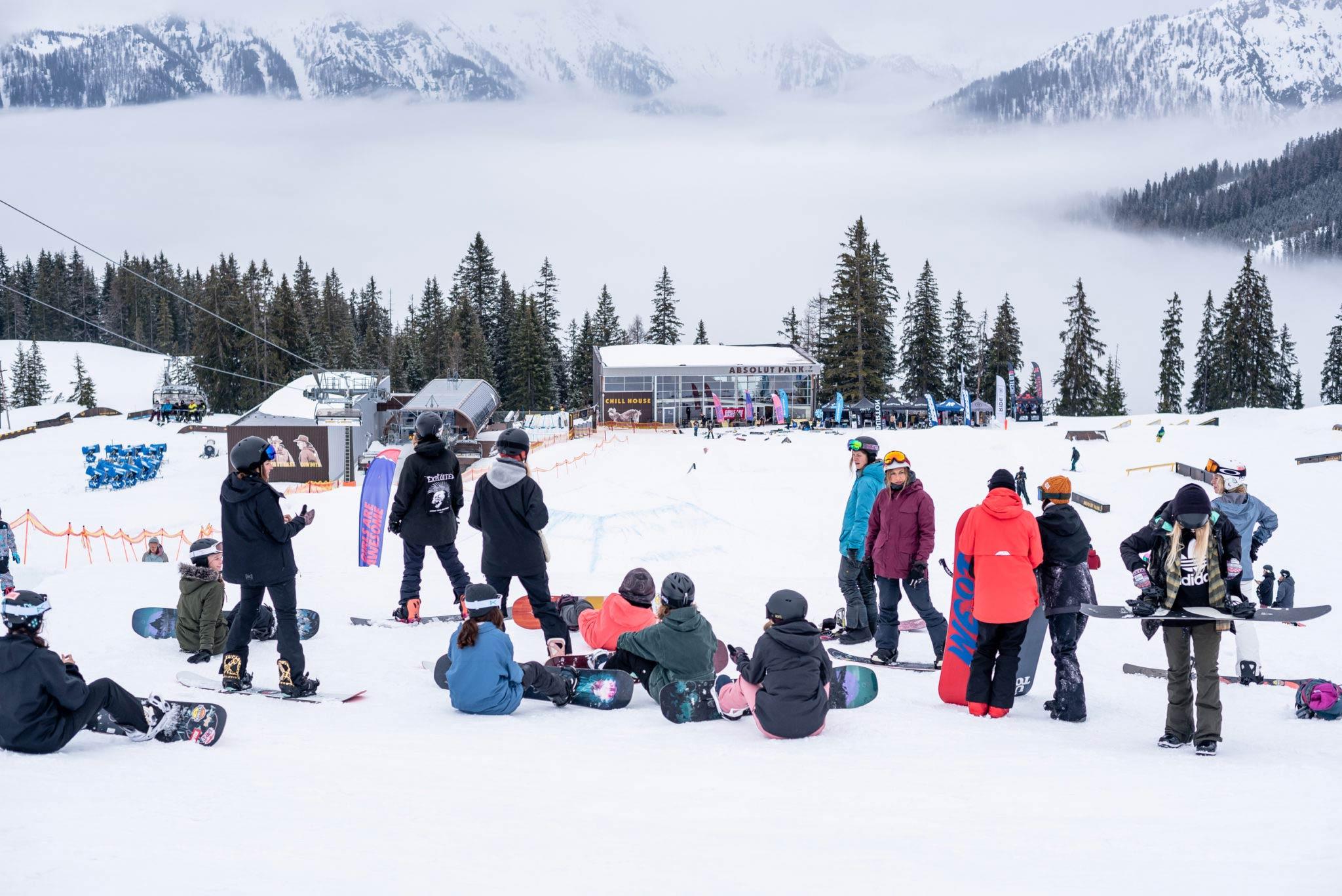 Bei den Slay Days gibt es sowohl Aktivitäten auf dem Schnee (Patscherkofel) als auch in der City von Innsbruck. - Foto: Miriam Lottes