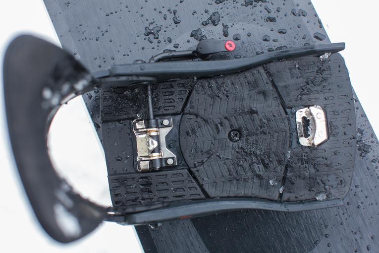 Bei der K2 Clicker X HB sind die Cleats in der Mittelachse der Baseplate positioniert. Im beim Fahren merkt man keinerlei Druckstellen an den Kontaktpunkten.